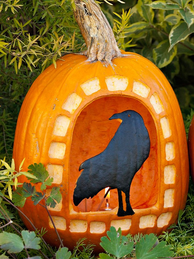 107. DIY CROW PUMPKIN CARVING