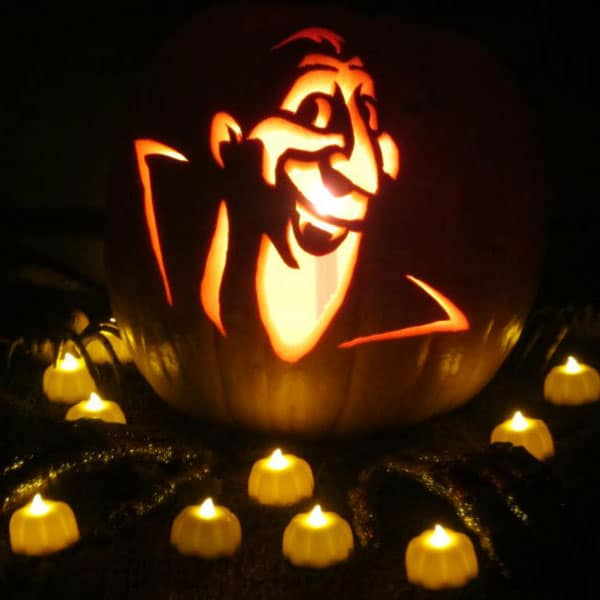 14. SCULPT YOUR FAVORITE CHARACTER - COUNT DRACULA PUMPKIN CARVING