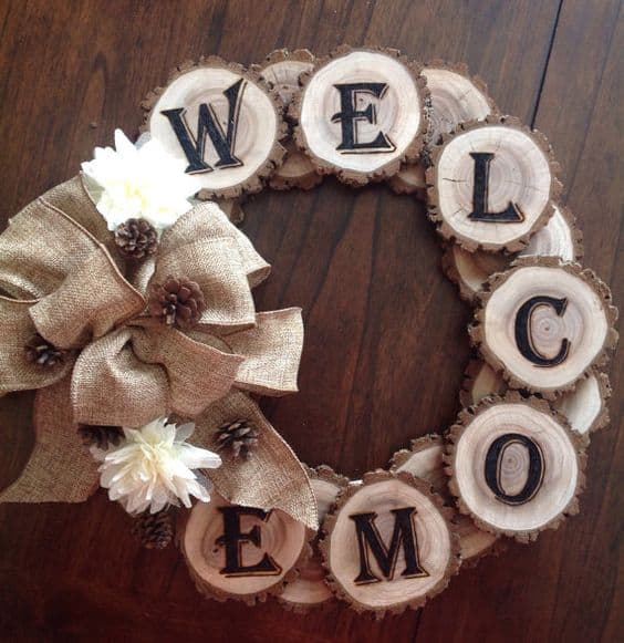 13. CREATE CUSTOM WOOD WREATHS
