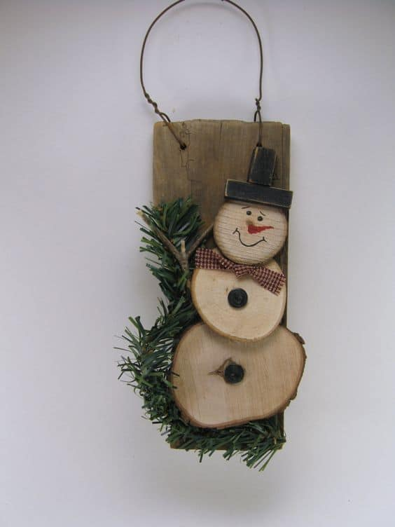 11. SHAPE CHRISTMAS DECOR