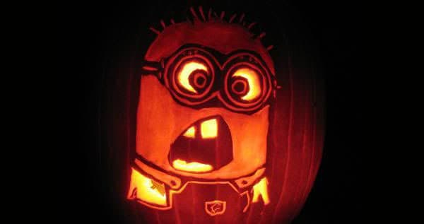 28. SCULPT A SURPRISED MINION PUMPKIN CARVING