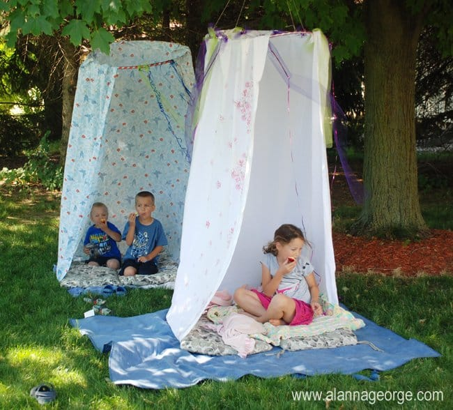 39 Swift and Insanely Fun DIY Tent for Kids 15