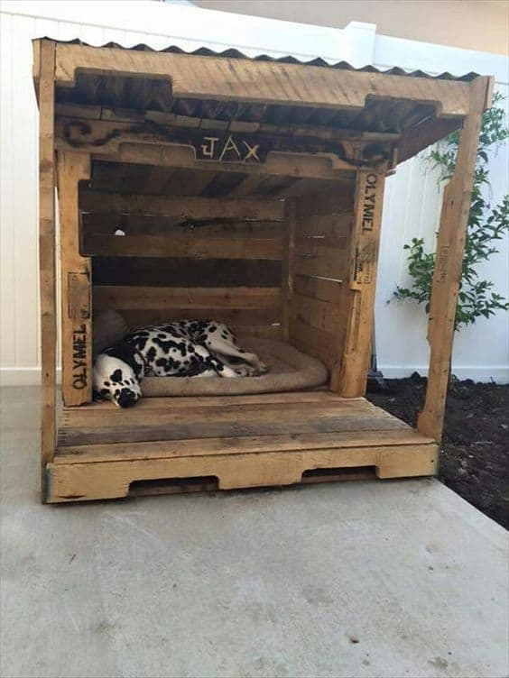26. TAILOR A DOG BED WITH PALLETS