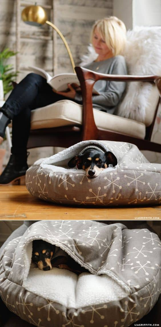 18. DIY POCKET DOG BED
