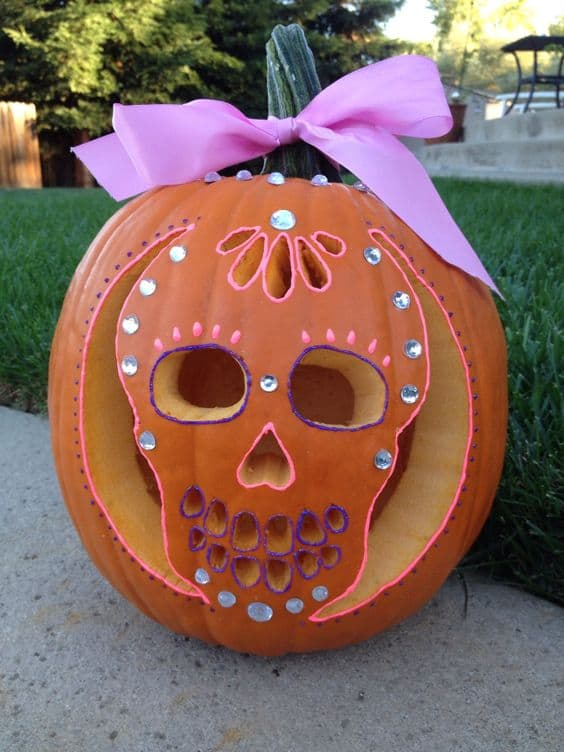 111 cool and spooky pumpkin carving ideas to sculpt for Different pumpkin designs