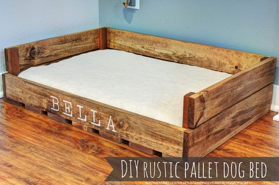 DIY RUSTIC PALLET DOG BED