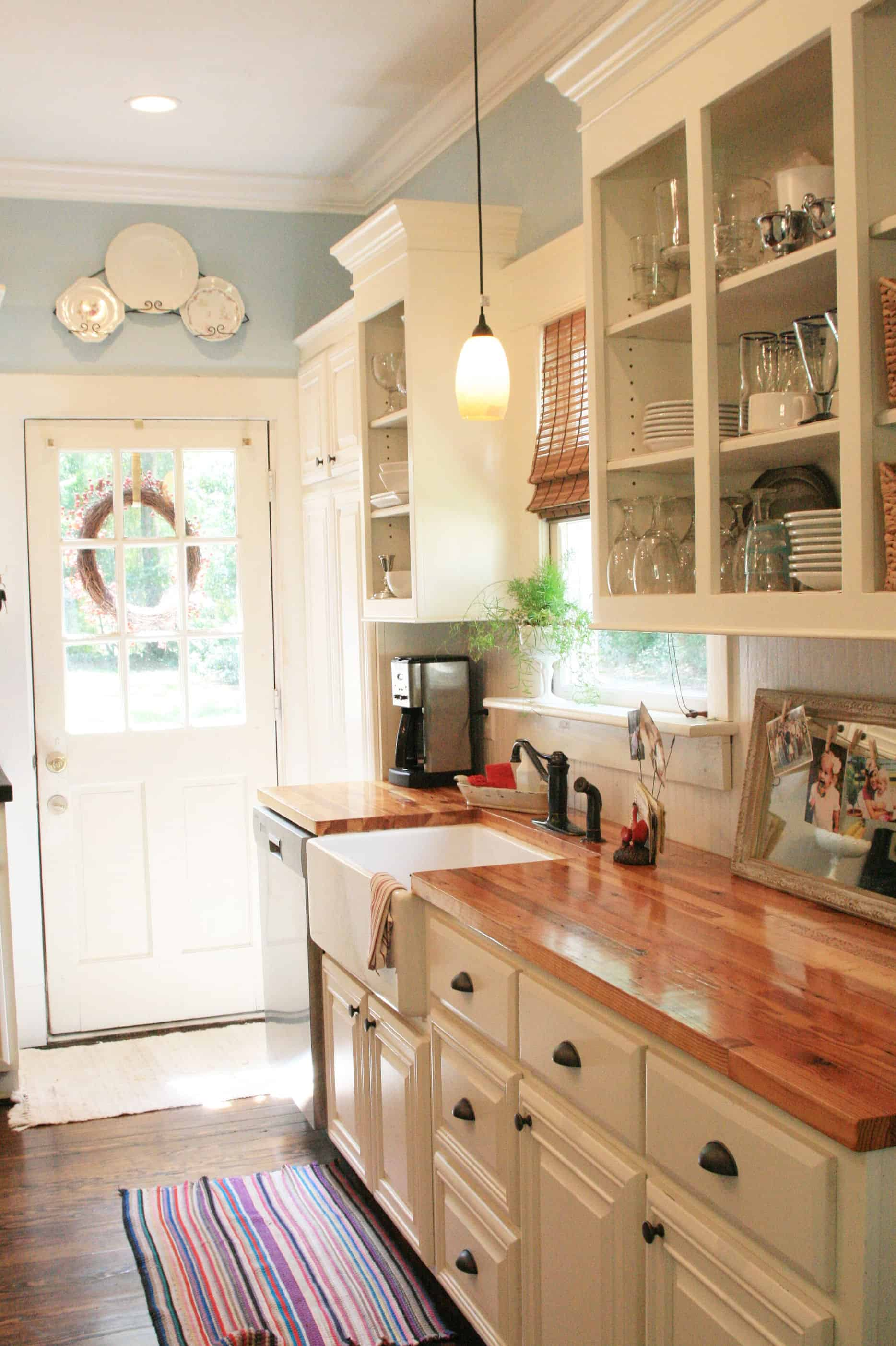 47 Splendid Rustic Countertop Ideas For Your Kitchen ... on country kitchen white ideas, country kitchen wall ideas, country kitchen island with cooktop, small kitchen dining room design ideas, country kitchen with shelves, small cabin kitchen design ideas, granite countertops kitchen ideas, dutch country kitchen ideas, country faucet ideas, country style kitchen ideas, country bathtub ideas, inexpensive kitchen countertops ideas, country kitchen paint ideas, country kitchen appliance ideas, country kitchen garden ideas, country kitchen countertop decor, country bathroom ideas, country garage ideas, country granite kitchen, country kitchen ideas for small kitchens,