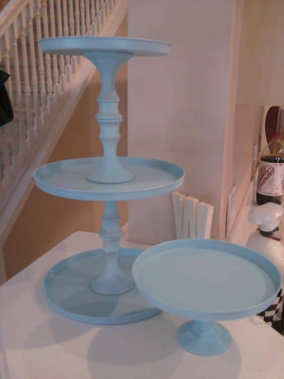 7. SIMPLE TRAYS AND CANDLESTICKS