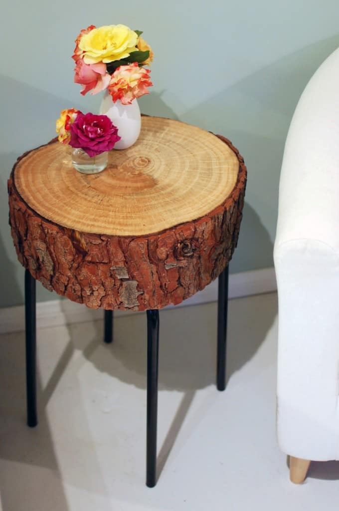 27. ATTRACTIVE LOG SLICE END TABLE