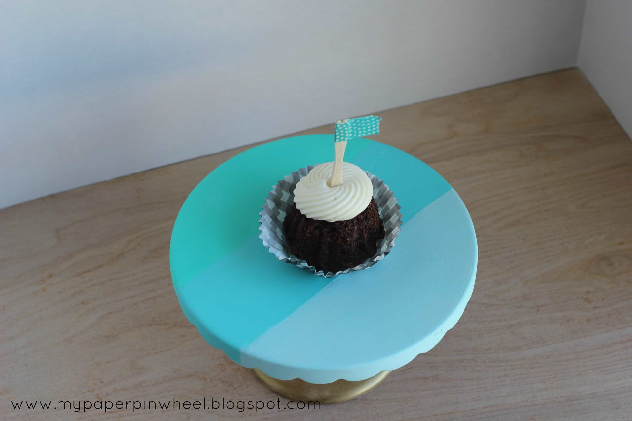 23. OMBRE CAKE STAND