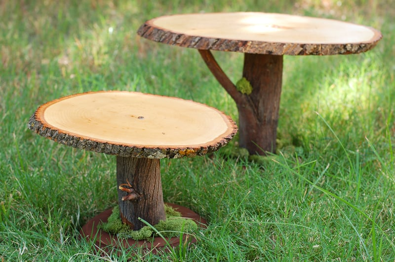 17. SLICES OF WOOD BECOME CAKE STANDS
