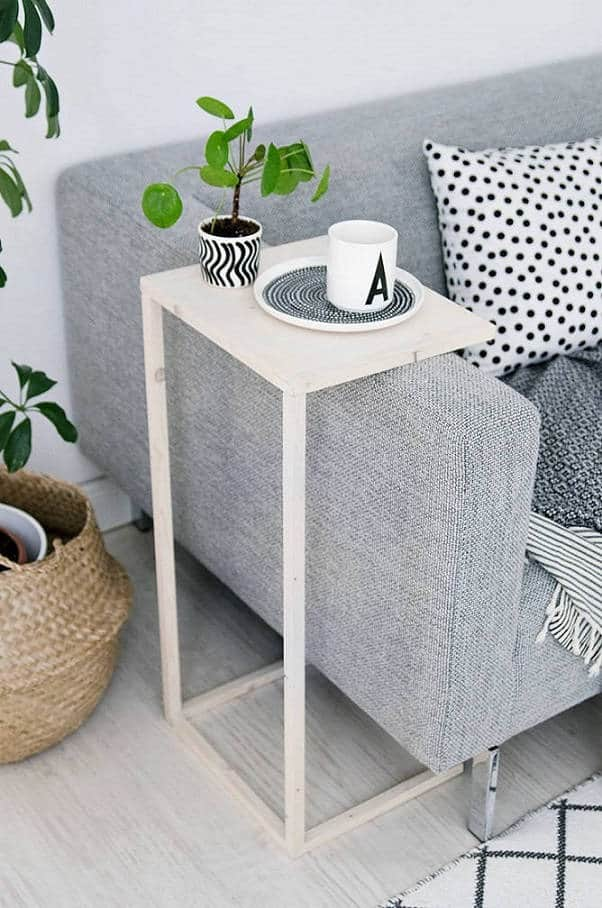 21. FRESH LOOKING END TABLE