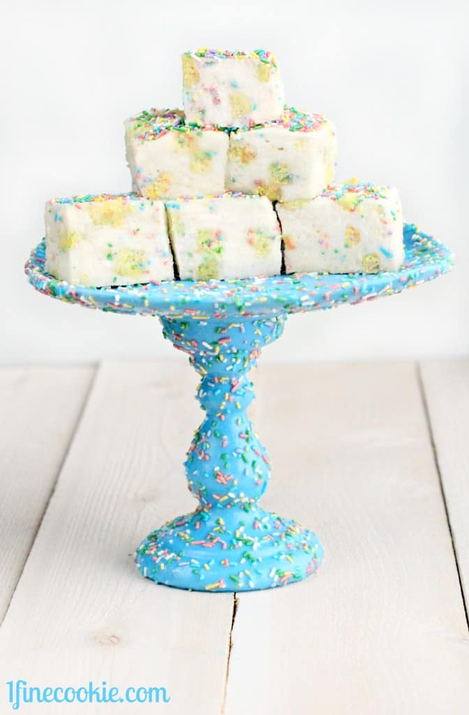 28. SWEETS ON SWEET DIY CAKE STAND