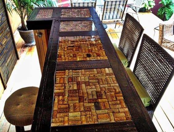 43 super cool bar top ideas to realize for Wine cork bar top