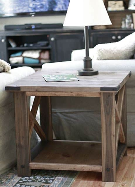 1. EASY DIY RUSTIC END TABLE