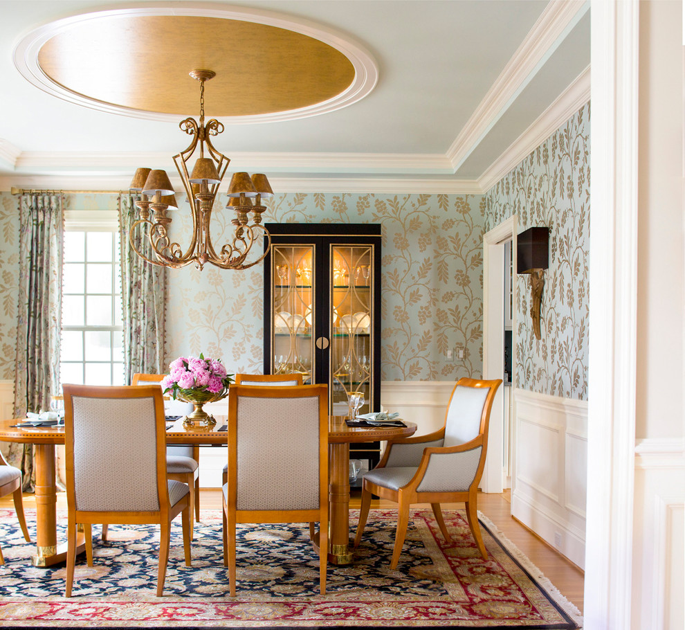 20 fantastic traditional dining room interiors that sparkle with 16 wall sconces and buffet lamps create soft pools of light conducive to great conversation dzzzfo