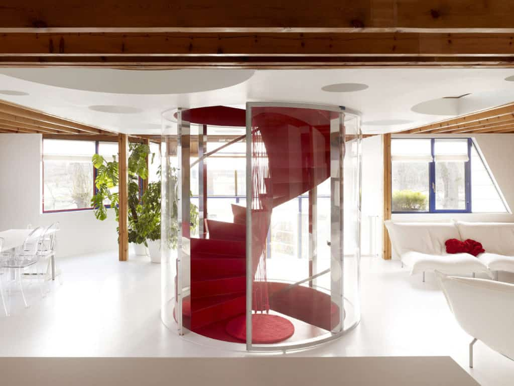 Red Core in a Shelter Entitled House VVDB by dmvA 13