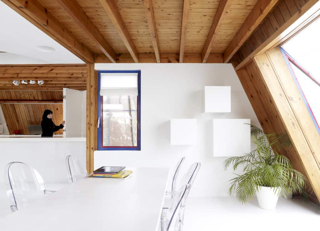 Red Core in a Shelter Entitled House VVDB by dmvA 14