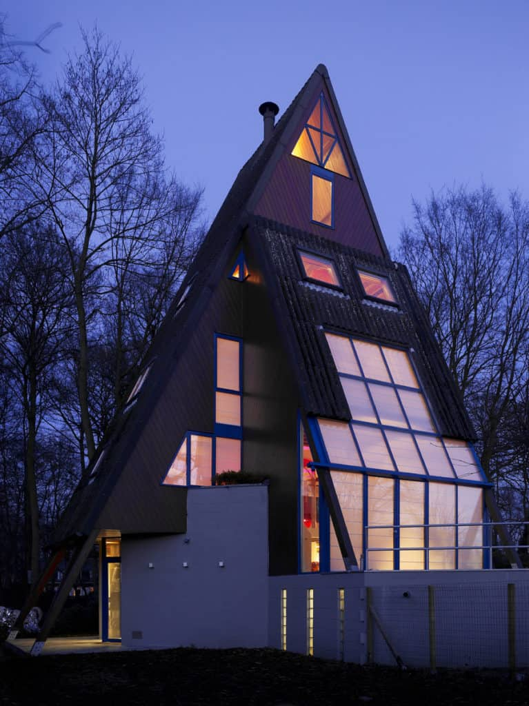 Red Core in a Shelter Entitled House VVDB by dmvA 17