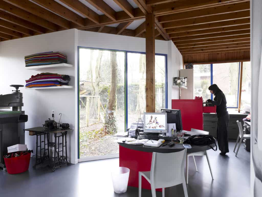 Red Core in a Shelter Entitled House VVDB by dmvA 3