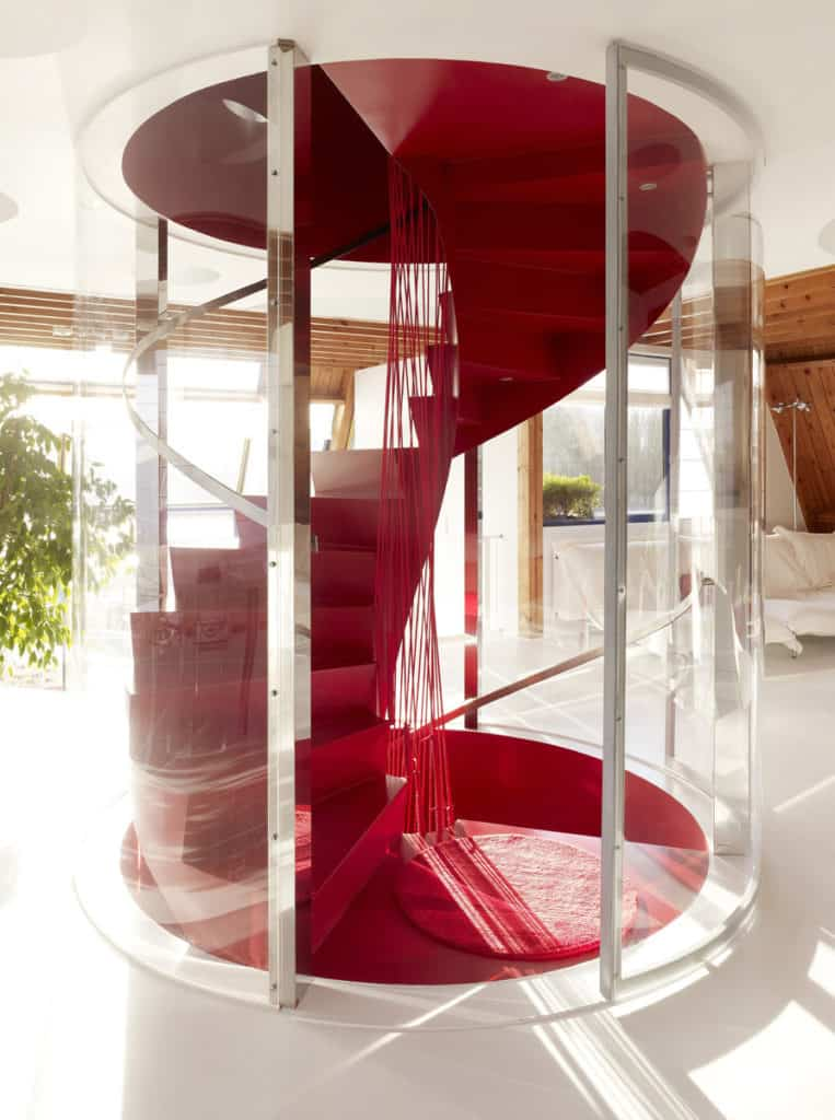 Red Core in a Shelter Entitled House VVDB by dmvA 5