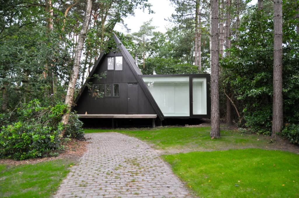 The Expression of an Extension vB4 by dmvA in Belgium 9