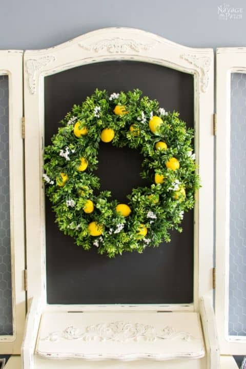 20 Fabulous DIY Summer Wreath Designs That Will Add Color To Your Porch 1