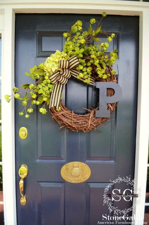 20 Fabulous DIY Summer Wreath Designs That Will Add Color To Your Porch 13