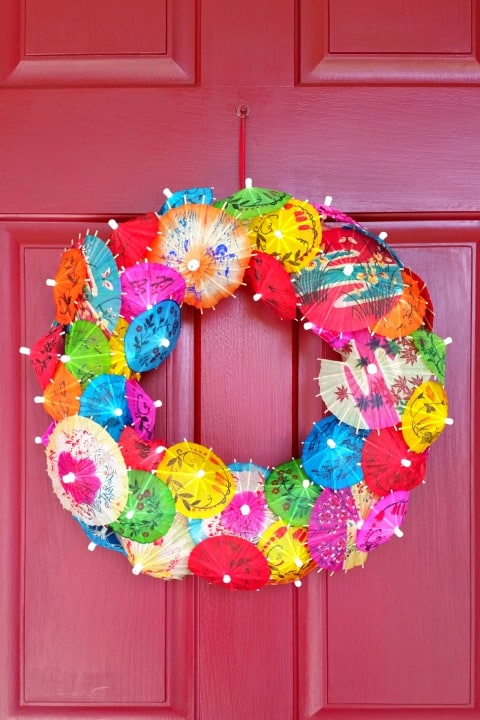 20 Fabulous DIY Summer Wreath Designs That Will Add Color To Your Porch 14