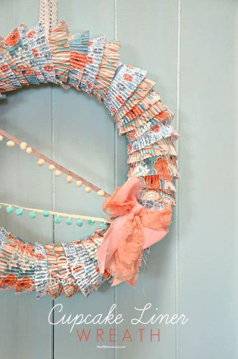 20 Fabulous DIY Summer Wreath Designs That Will Add Color To Your Porch 2