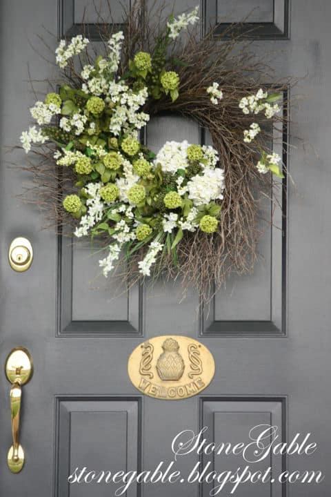 20 Fabulous DIY Summer Wreath Designs That Will Add Color To Your Porch 4