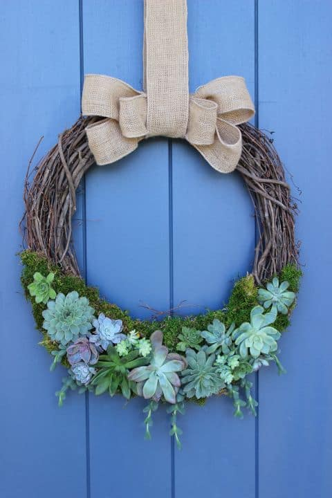 20 Fabulous DIY Summer Wreath Designs That Will Add Color To Your Porch 6