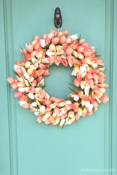 20 Fabulous DIY Summer Wreath Designs That Will Add Color To Your Porch 8