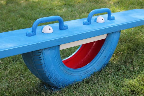 20 Ingenious DIY Tire Projects That You Can Add To Your Garden And Home Decor 13