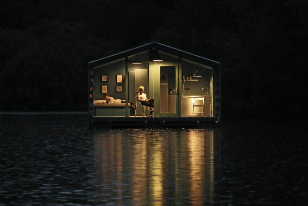 DD16 The Floating Cabin By BIO architects That Can Withstand Russias Harsh Winters 12