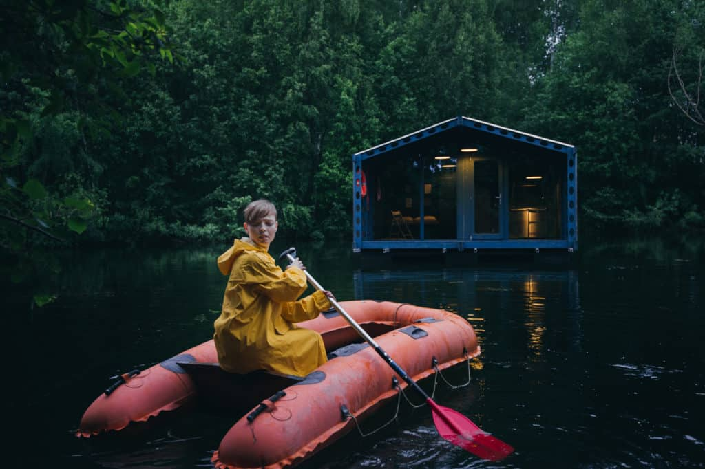 DD16 The Floating Cabin By BIO architects That Can Withstand Russias Harsh Winters 17