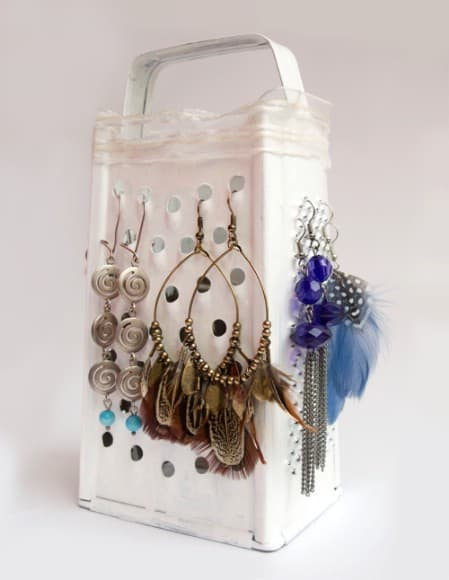 Display Your Jewelry In A Creative Way With These 17 DIY Jewelry Organizer Ideas 8