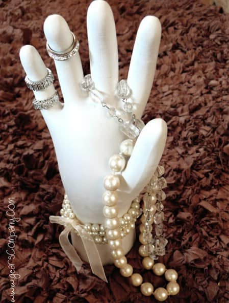 Display Your Jewelry In A Creative Way With These 17 DIY Jewelry Organizer Ideas 9