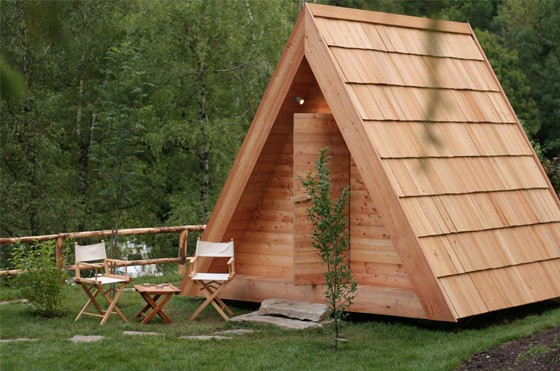 Gozdne Vile Glamping Huts Offering Tranquility in a Small Form Factor 6