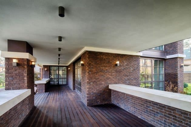 Inspired by F. L. Wright Yunakov Architecture Designed The Prairie House in Kiev 15