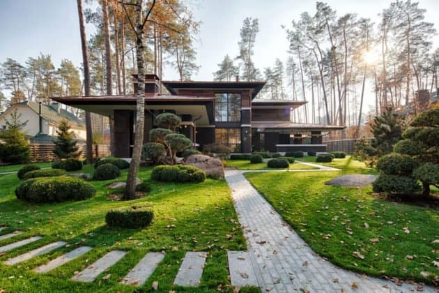 Inspired by F. L. Wright Yunakov Architecture Designed The Prairie House in Kiev 2