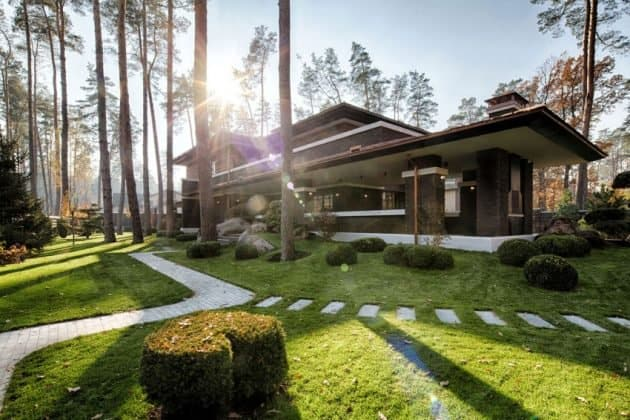 Inspired by F. L. Wright Yunakov Architecture Designed The Prairie House in Kiev 3