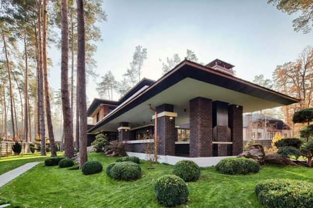 Inspired by F. L. Wright Yunakov Architecture Designed The Prairie House in Kiev 4
