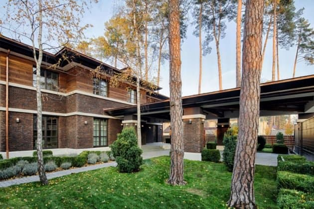Inspired by F. L. Wright Yunakov Architecture Designed The Prairie House in Kiev 5