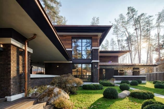 Inspired by F. L. Wright Yunakov Architecture Designed The Prairie House in Kiev 9