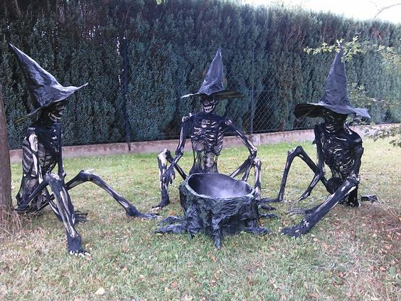 125. CREEPY SKELETON WITCHES