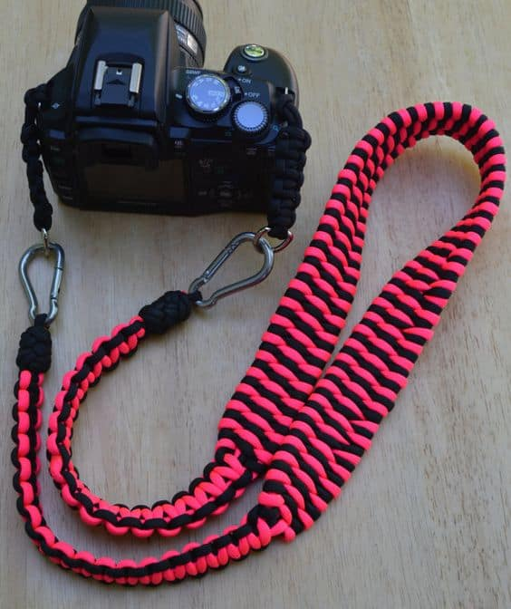 INCREDIBLY COOL PARACORD CAMERA STRAP