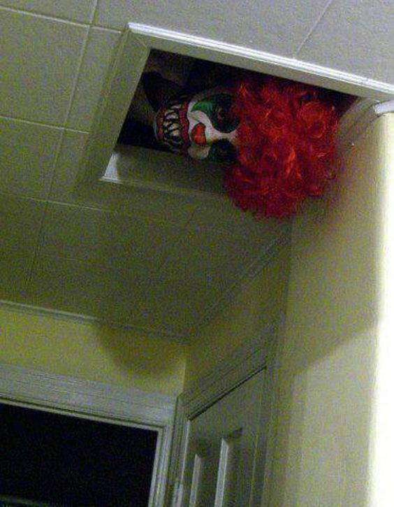 23. THE PEEPING CLOWN