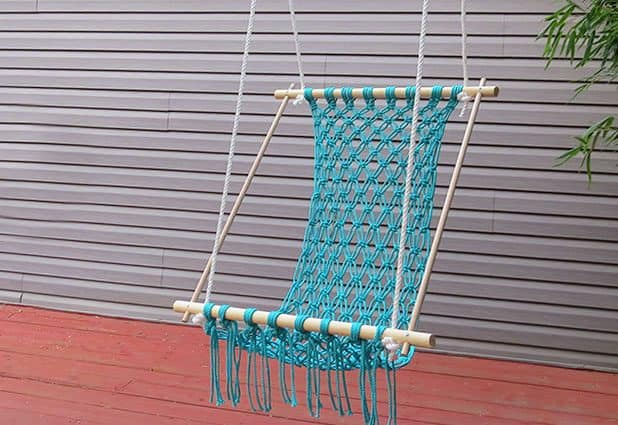 CROCHETED HAMMOCK WITH PARACORD