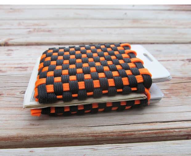 CHECKERED PARACORD WALLET
